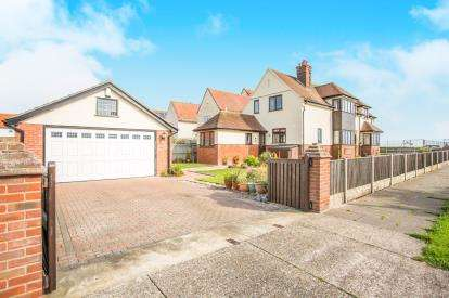 4 Bedrooms Detached House for sale in Gorleston-On-Sea, Great Yarmouth, Norfolk