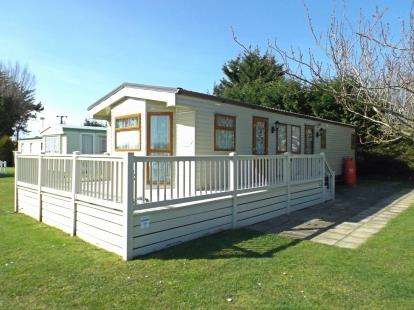 2 Bedrooms Mobile Home for sale in Burgh Castle, Great Yarmouth, Norfolk