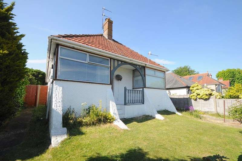 4 Bedrooms Detached Bungalow for sale in Churchfield Road, Poole
