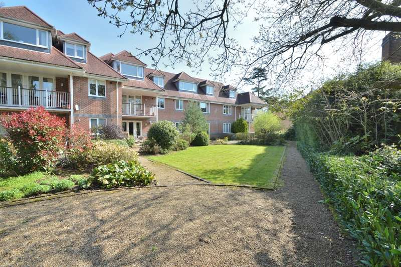 2 Bedrooms Flat for sale in Flat 6 Westbrook Court