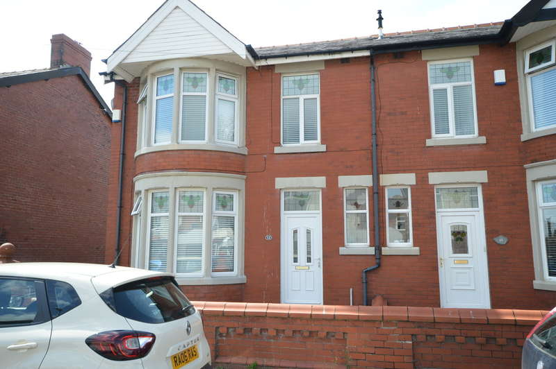 3 Bedrooms Semi Detached House for sale in Worsley Avenue, South Shore