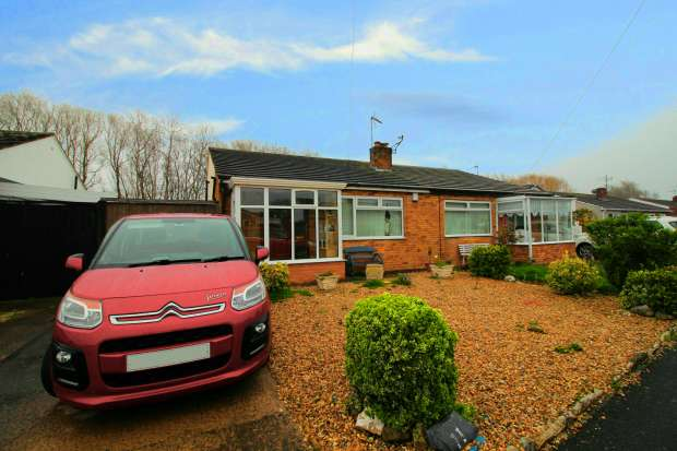 2 Bedrooms Semi Detached Bungalow for sale in Llys Charles, Abergele, Clwyd, LL22 9NP