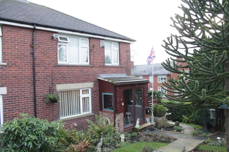 3 Bedrooms Semi Detached House for sale in Whetstone Hill Road, Oldham, Greater Manchester, OL1