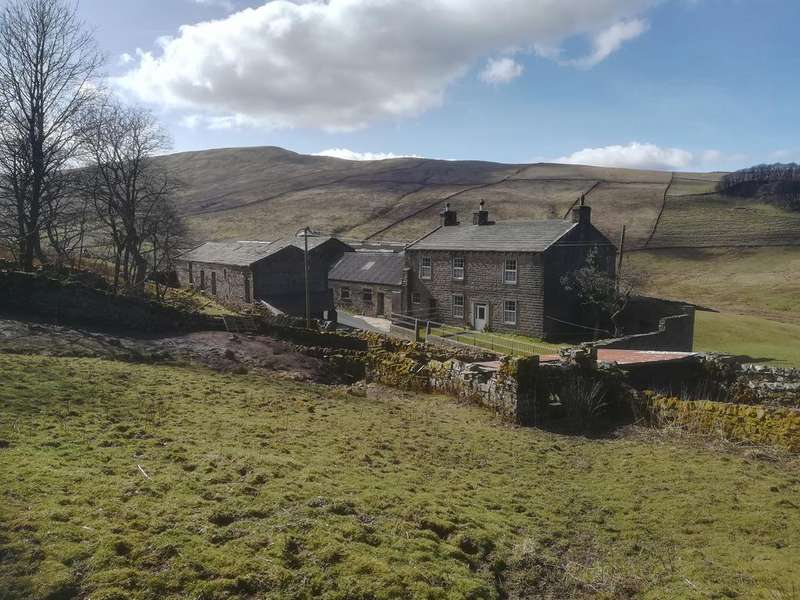 5 Bedrooms Farm Land Commercial for sale in West Shaw Farm, Gayle, Hawes, North Yorkshire