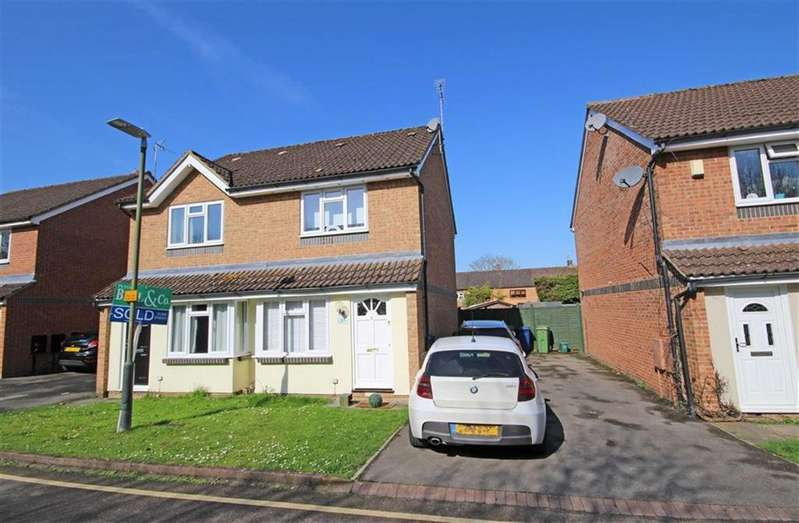 2 Bedrooms Semi Detached House for sale in Oxmead Close, Bishops Cleeve, Cheltenham, GL52