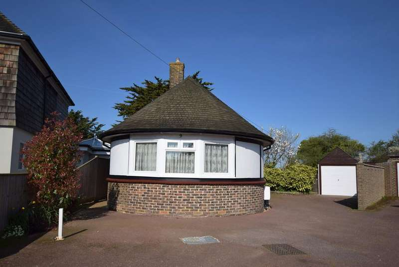 2 Bedrooms Detached Bungalow for sale in Priory Close, Pevensey Bay BN24