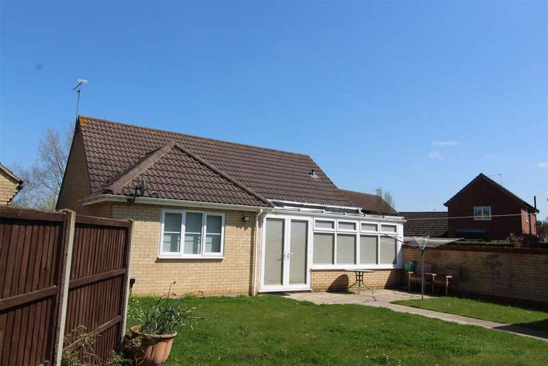 3 Bedrooms Detached Bungalow for sale in The Chase, Stanton, Bury St. Edmunds