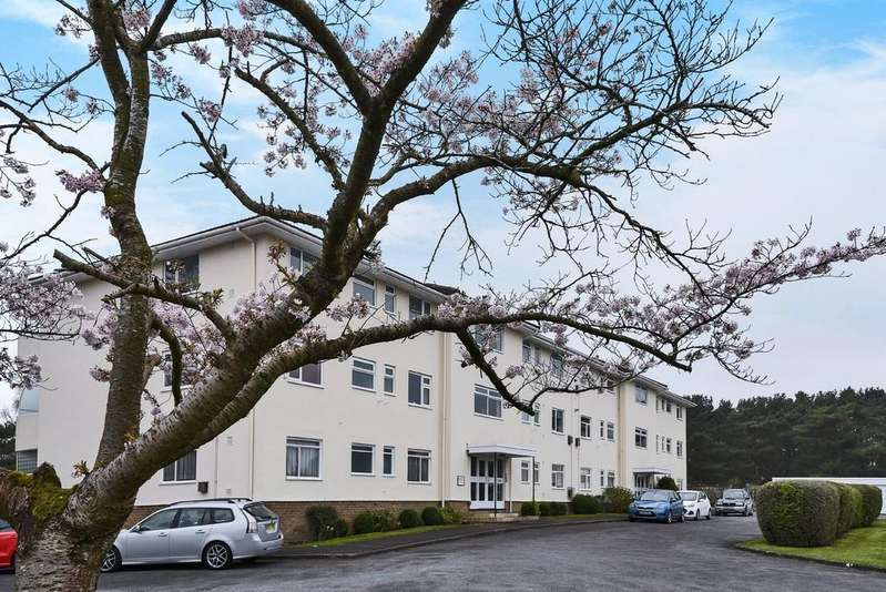2 Bedrooms Apartment Flat for sale in Twyford House, Fairways
