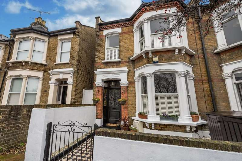 4 Bedrooms End Of Terrace House for sale in Chaucer Road, Wanstead