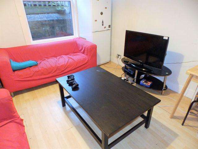 6 Bedrooms Terraced House for rent in Milner Road, Brighton, East Sussex, BN2