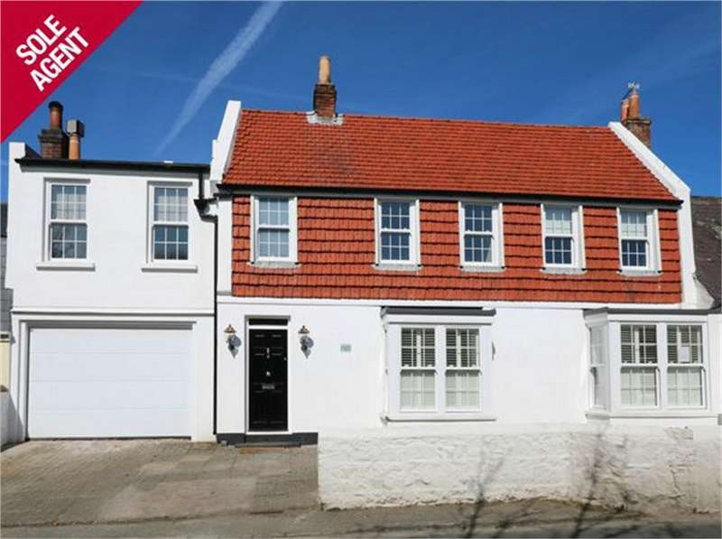 4 Bedrooms Terraced House for sale in Fort Road, St Peter Port