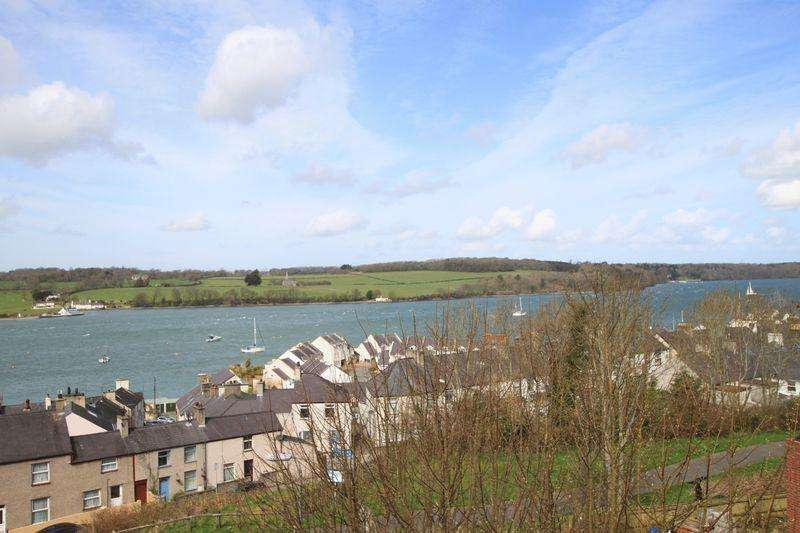 4 Bedrooms Detached House for sale in Felinheli, Gwynedd