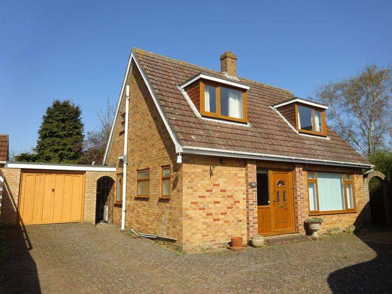 3 Bedrooms Chalet House for sale in Lloyd Road, Norwich