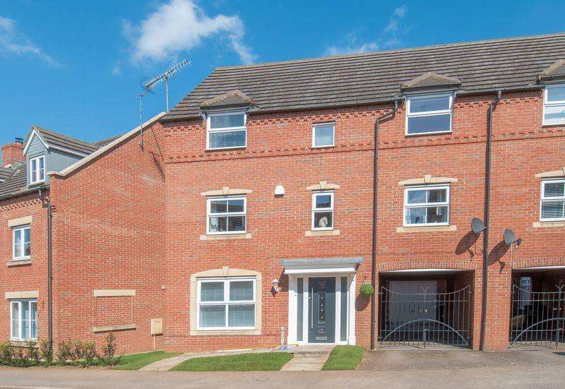 4 Bedrooms Semi Detached House for sale in Linden Avenue, Higham Ferrers