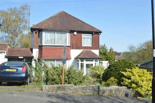 3 Bedrooms Detached House for sale in Melrose Road, Coulsdon