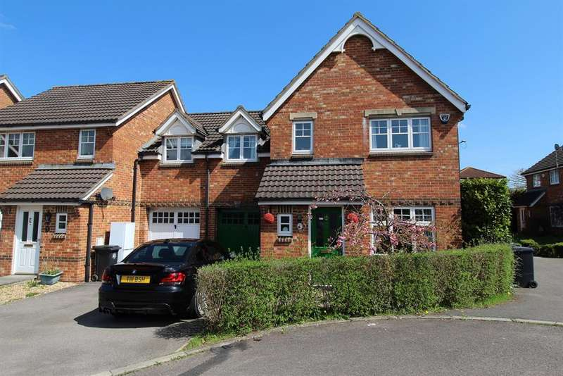 3 Bedrooms Semi Detached House for sale in Shaw Gardens, Hengrove, Bristol, BS14 9TP