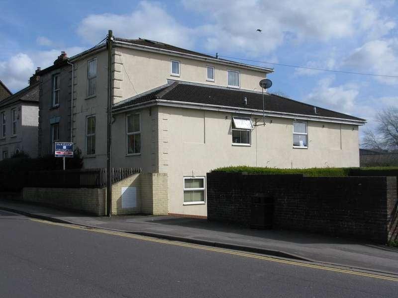 1 Bedroom Ground Flat for sale in CHURCHFIELDS ROAD, SALISBURY, WILTSHIRE, SP2 7NW