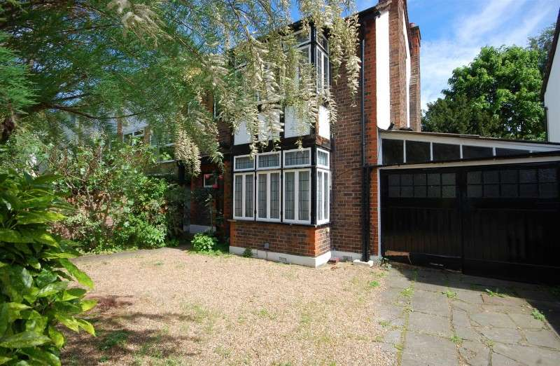 3 Bedrooms Property for sale in High Street, Hampton