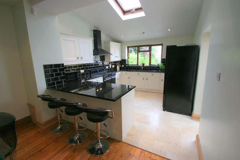 4 Bedrooms Property for rent in Greville Road Southville Bristol BS3