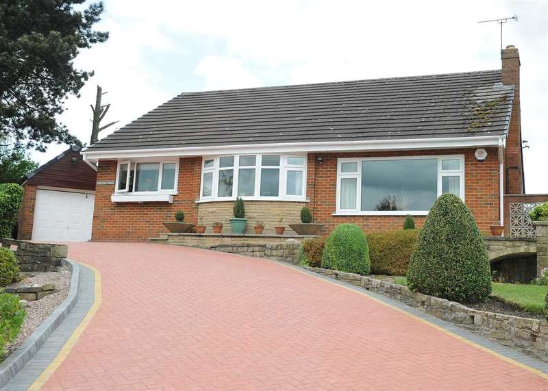 2 Bedrooms Bungalow for sale in Mytholme Avenue Cadishead M44 5UH