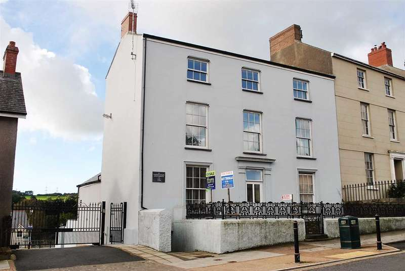 1 Bedroom Commercial Property for sale in Apartments 2 To 5 Inclusive,Tudor House