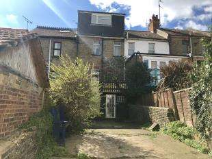 3 Bedrooms Terraced House for sale in Brighton Road, Newhaven, East Sussex