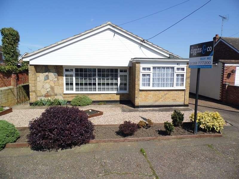 3 Bedrooms Detached Bungalow for sale in Grasmere Avenue, Hullbridge, Hullbridge