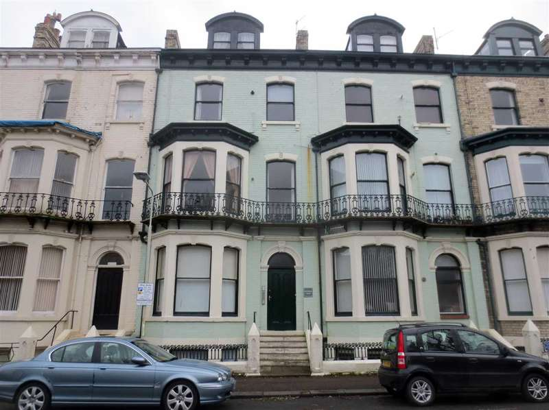 2 Bedrooms Apartment Flat for sale in Richmond Court, Carlton Terrace, Scarborough