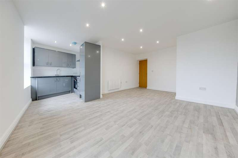 2 Bedrooms Flat for sale in Back Lane, Rawtenstall, Rossendale