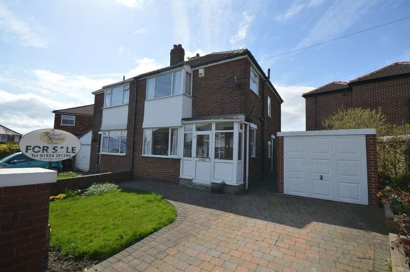3 Bedrooms Semi Detached House for sale in Carr Gate Crescent, Carr Gate, Wakefield