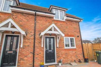 2 Bedrooms End Of Terrace House for rent in St Michaels, Kent