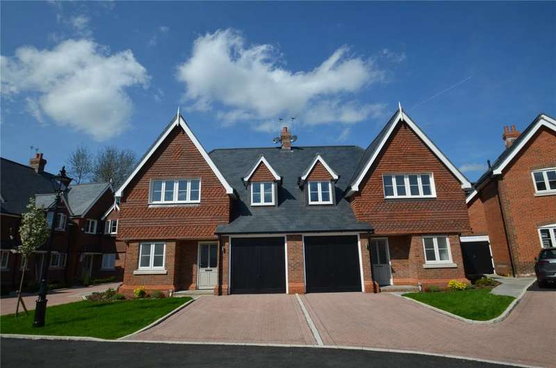 3 Bedrooms Semi Detached House for sale in Updown Hill, Windlesham, Surrey