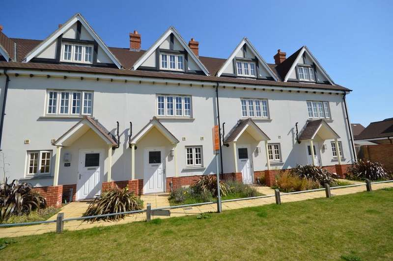 3 Bedrooms Town House for sale in Battalion Walk, Colchester