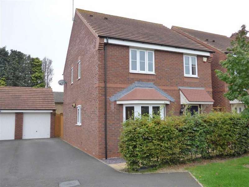 4 Bedrooms Detached House for sale in Rowan Close, Cannock, Staffordshire