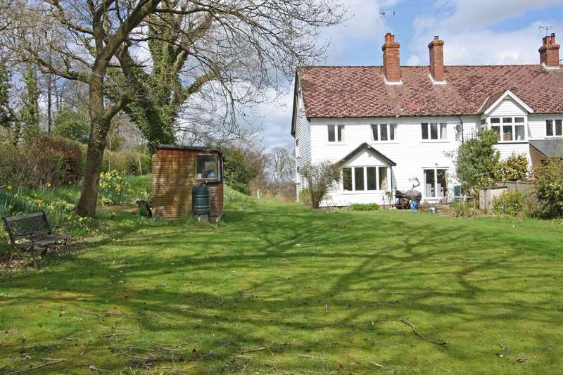 5 Bedrooms Semi Detached House for sale in Sandhurst