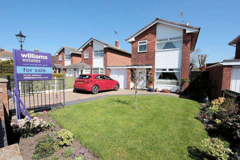 3 Bedrooms Detached House for sale in Pen Y Maes Avenue, Rhyl