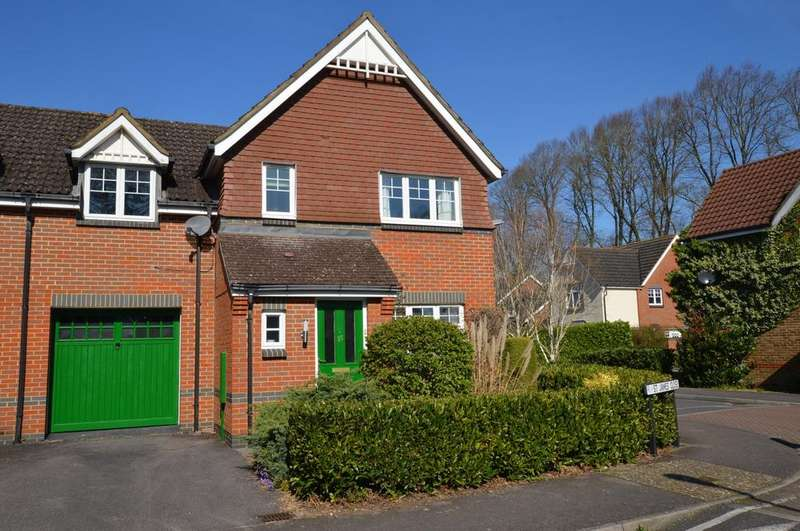 3 Bedrooms House for sale in St James Close