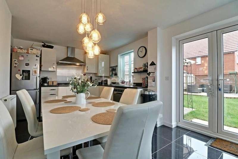 3 Bedrooms End Of Terrace House for sale in Eglantyne Avenue, Tadpole Garden Village, Swindon