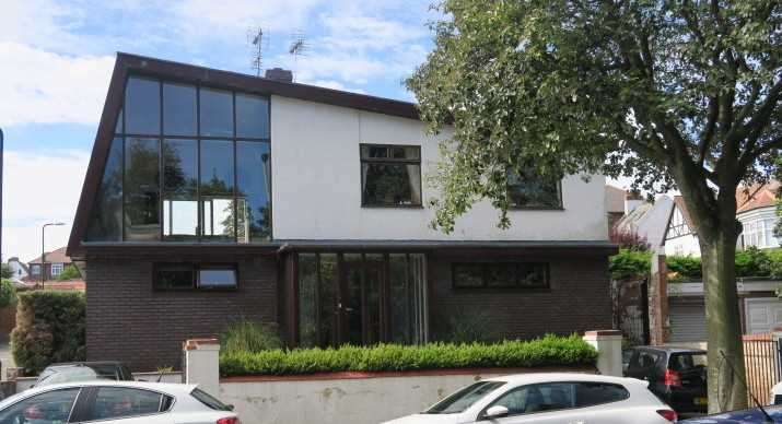 4 Bedrooms Detached House for sale in Bents Park Road, South Shields