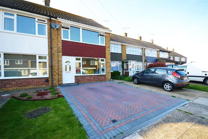3 Bedrooms Terraced House for sale in Berwood Road, Corringham