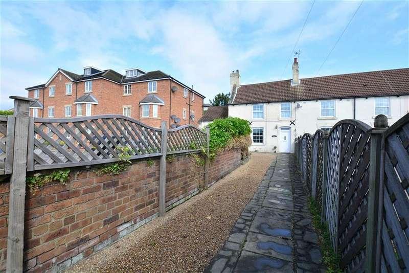 2 Bedrooms Property for sale in Front Street, Glasshoughton, Castleford, WF10