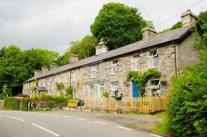 2 Bedrooms Terraced House for sale in Tanlan, Llanfrothen, Penrhyndeudraeth, Gwynedd, LL48