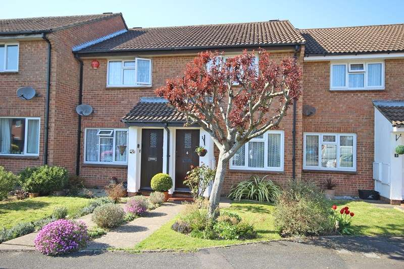 2 Bedrooms Terraced House for sale in Wilton Gardens, New Milton