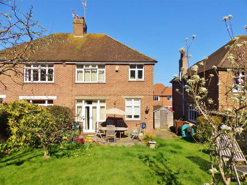 3 Bedrooms Semi Detached House for sale in Sancroft Road, Eastbourne