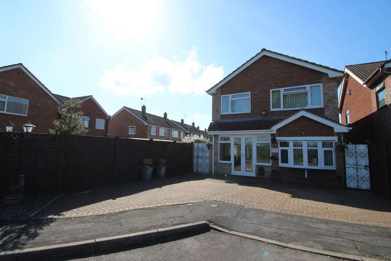 4 Bedrooms Detached House for sale in Milner Close, Bulkington, Bedworth, CV12