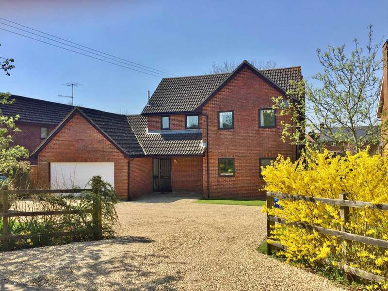 4 Bedrooms Detached House for sale in Ogbourne St. George