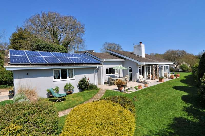 4 Bedrooms Detached Bungalow for sale in Brownston Street, Modbury, South Devon