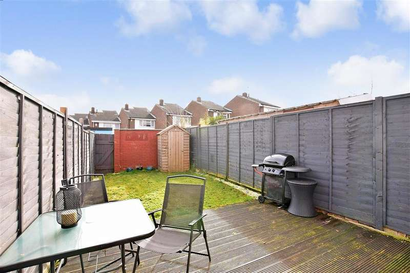 2 Bedrooms Terraced House for sale in Seagull Road, , Strood, Rochester, Kent