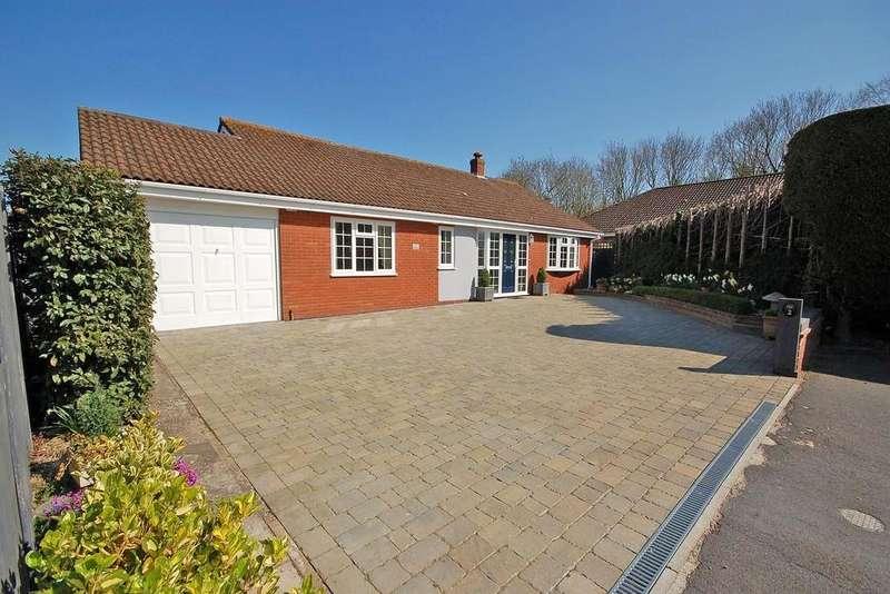 3 Bedrooms Detached Bungalow for sale in Fir Grove, Sheringham