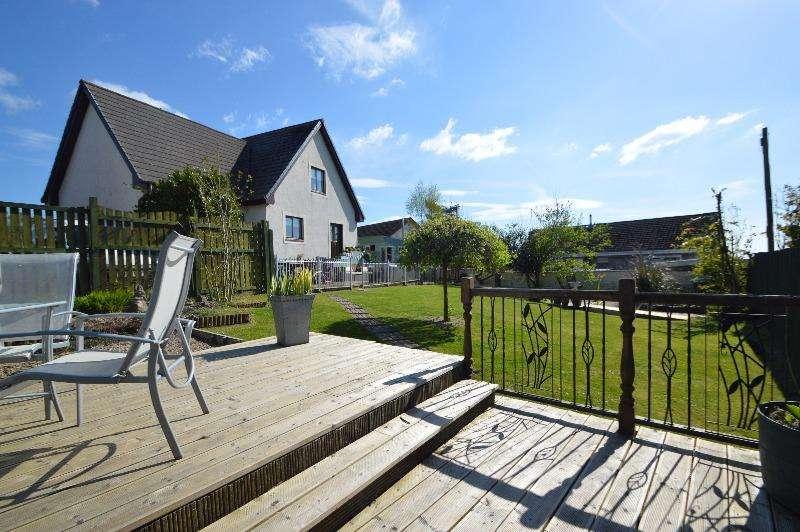 5 Bedrooms Detached House for sale in Benslie Row, Kilwinning, North Ayrshire, KA13 7QG
